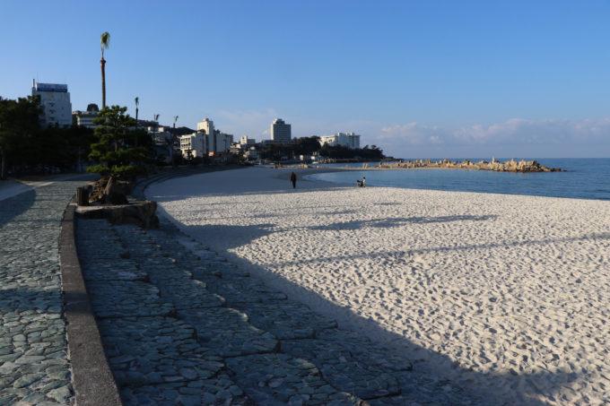 朝の白良浜